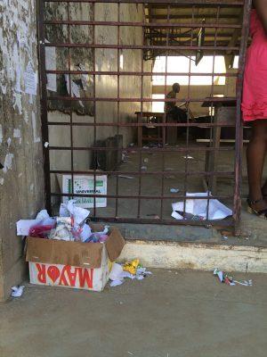 Entrée du gynmase de l'université de Douala. Lieu de cours